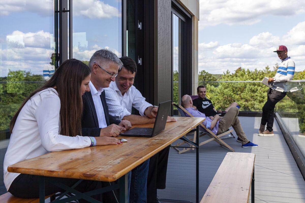 facton-potsdam-office-balcony